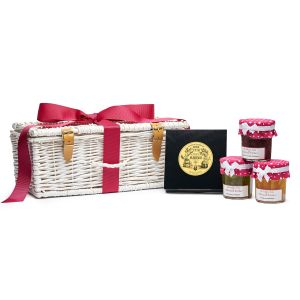French tea-time hamper - a very classic gift with the best tea and jam makers of France