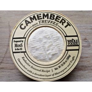 Camembert cheese with truffles - 270g -  7 days lead time
