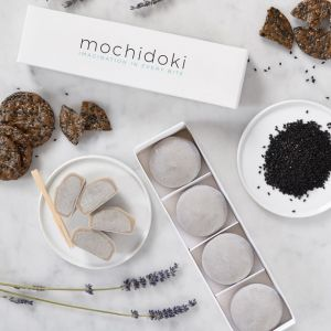 Black sesame mochi ice cream - set of 10 pieces - no artificial sweetener or colouring