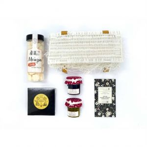 Gourmet hamper filled with sweet delicacies with a Parisian flair !