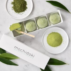 Matcha green tea mochi ice cream - set of 4 pieces - no artificial sweetener or colouring