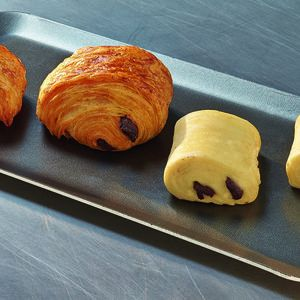 "Pre-baked mini pains chocolat pur beurre ""all-butter"" Lenotre - 12 x 35g (frozen) - generic packing"
