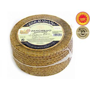 Manchego cheese wedge - aged 2/3months - 1kg (pasteurised sheep milk) - compact texture and buttery flavor