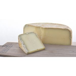 AOP Ossau Iraty cheese 10 months aged  (pasteurised sheep milk) - 200g depending on the length of maturing, from very mild to intense, but always elegant and refined