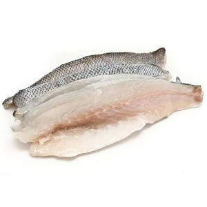 Fresh seabass fillet - boneless and skin-on - 4 x 130g - 215 aed/kg price will be adjusted as per final weight
