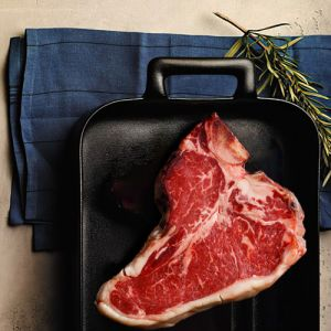 Chilled dry-aged grass-fed Irish beef T-bone - 285 aed/kg - 1kg hormone-free, antibiotic-free (halal)