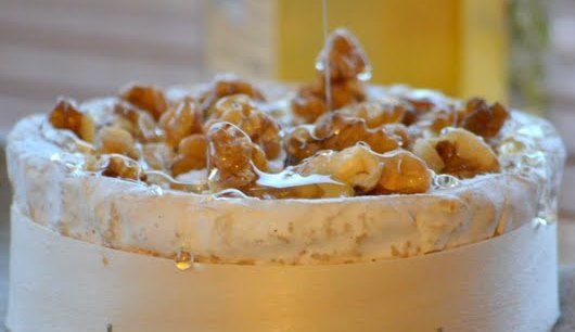 Roasted camembert cheese with honey and walnuts