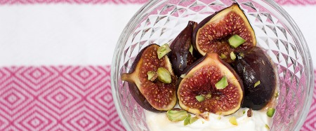Roasted figs with honey, pistachios and Greek yogurt