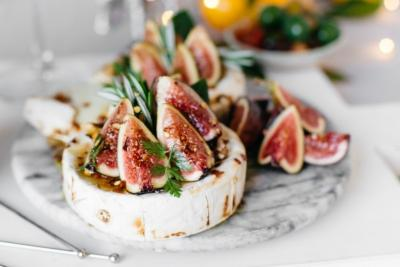 Honey baked camembert with Sollies figs and rosemary
