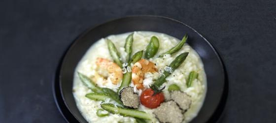 Green asparagus risotto recipe with truffle