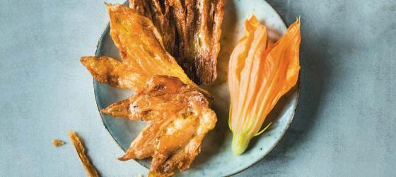 SUMMER Easy fried zucchini flower recipe