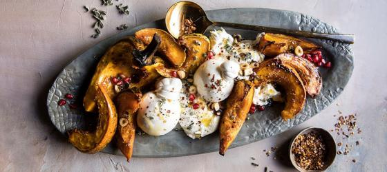 THANKSGIVING Honey roasted squash and burrata cheese salad with cranberries